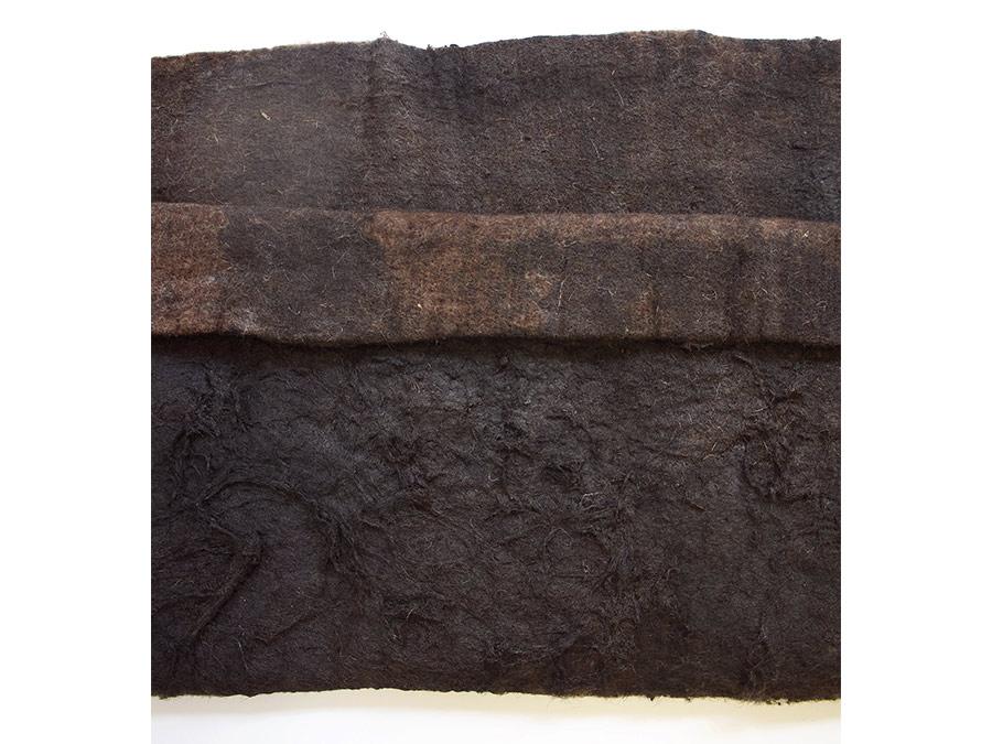 Die Falte. Detail. | 210 x 50 cm | Polsterfilz, Farbe | 2019